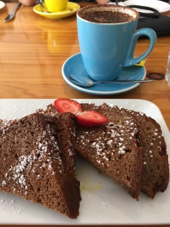 North Haven, Australia: Banana Bread and Cappacino, the serving was large, two good size pieces which were delicious