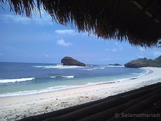 pantai watu karung beach www selamethariadi com picture of watu rh tripadvisor ie
