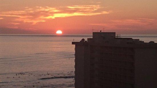 Darmic Waikiki Banyan: We had many beautiful sunsets.