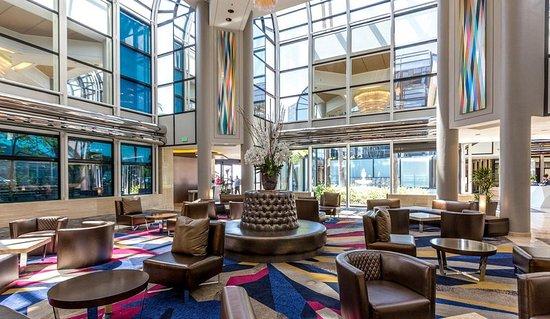 Hilton Los Angeles/Universal City: Hilton Universal City Lobby