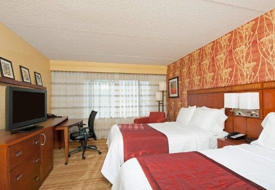 Elmhurst, IL : Double/Double Guest Room