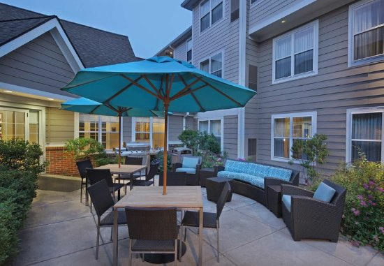 Southington, CT: Outdoor Patio