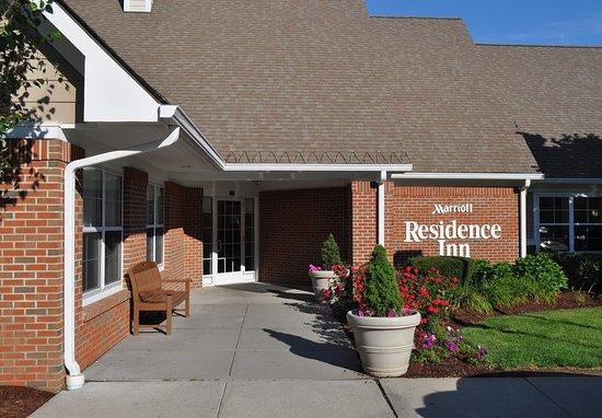 Southington, CT : Entrance