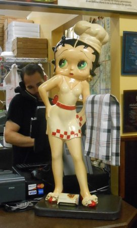 Michelli's Pizzeria: Betty Boop on the counter!