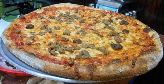Michelli's Pizzeria: Large Pizza with Meatballs