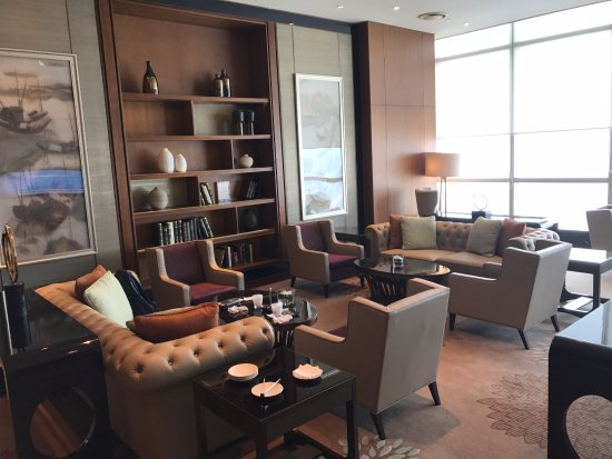 Club Lounge sitting area - Picture of InterContinental Hanoi ...