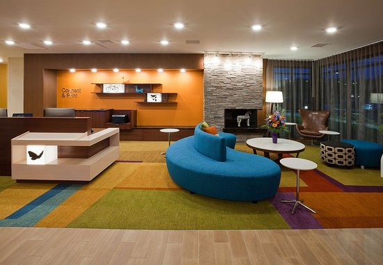 Vadnais Heights, MN: Lobby