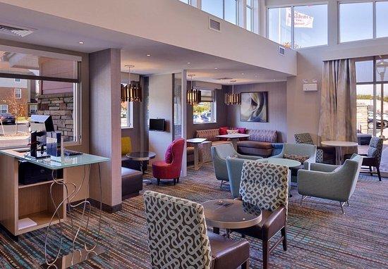 East Lansing, MI: Lobby Seating Area