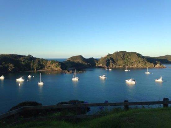 Kaeo, Yeni Zelanda: view looking into Mahinepua bay