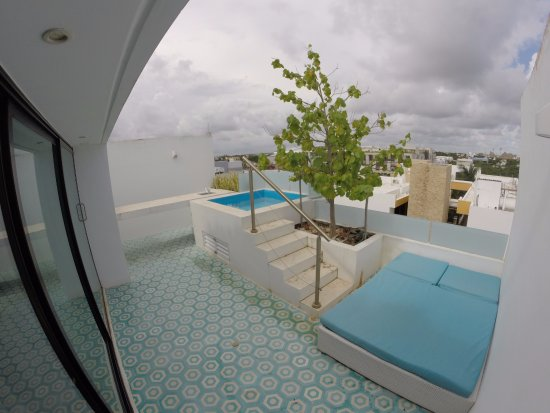 Anah Luxury Condos by Baitna: 2 Bedroom Luxury Penthouse with Jacuzzi