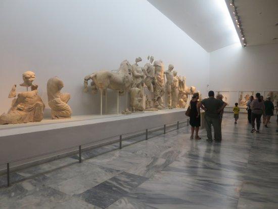 Archäologisches Museum Olympia: museum exhibits