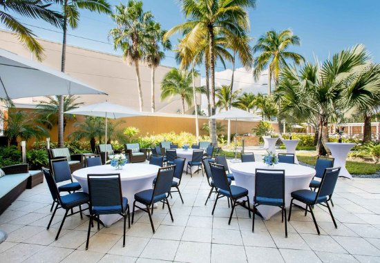 Courtyard by Marriott Miami Aventura Mall: Special Events-Courtyard
