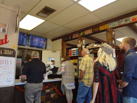 Rusty's BAR-B-Q: where you order and pay