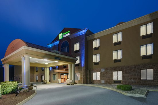 Ranson, WV: Hotel Exterior