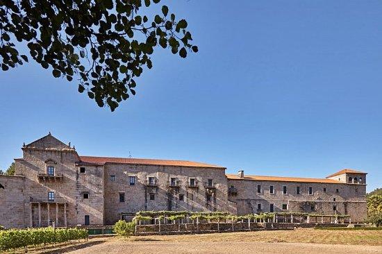 Eurostars Monumento Monasteiro de San Clodio: 450922 Exterior