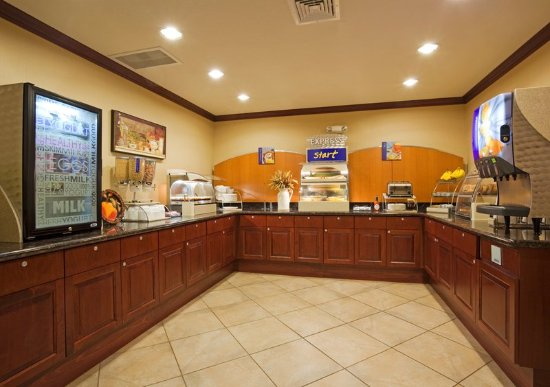 Holiday Inn Express Hotel & Suites Winona: Breakfast Bar