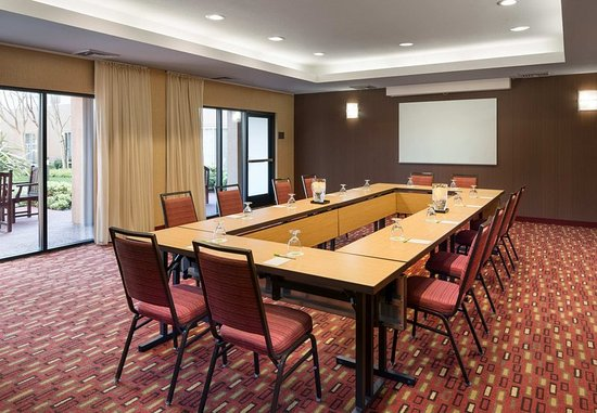 Milpitas, CA: Meeting Room - Conference Setup