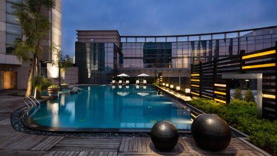 Crowne plaza paragon xiamen bewertungen fotos for Angebote swimmingpool