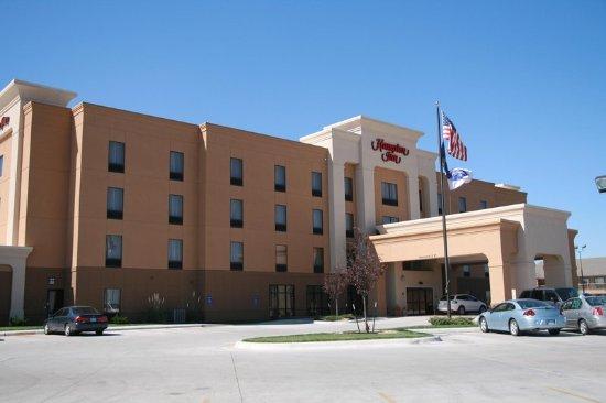 Garden City, KS: Hotel Exterior