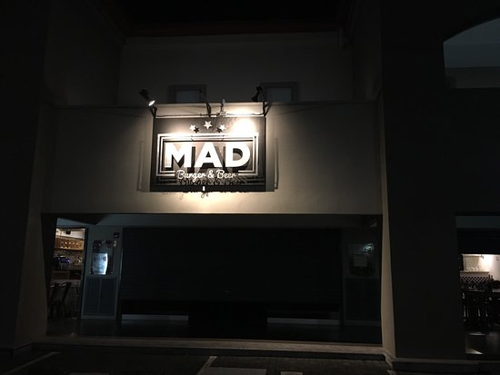 Ciudad Colon, Costa Rica: Mad Burger and Beer