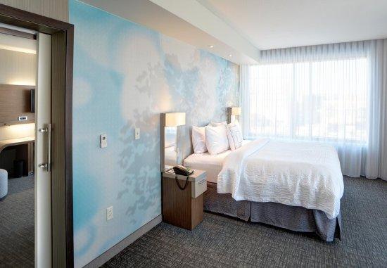 Muncie, IN : King Suite