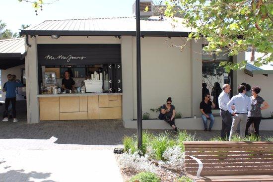 East Fremantle, Australia: Shop front