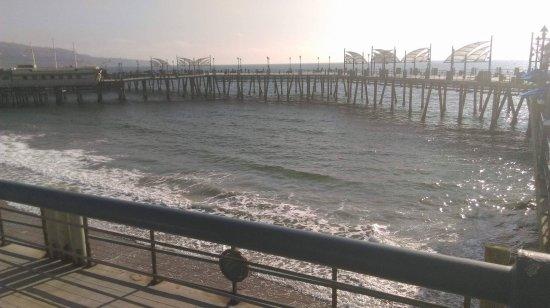 Redondo beach pier ca top tips before you go with for Redondo beach pier fishing
