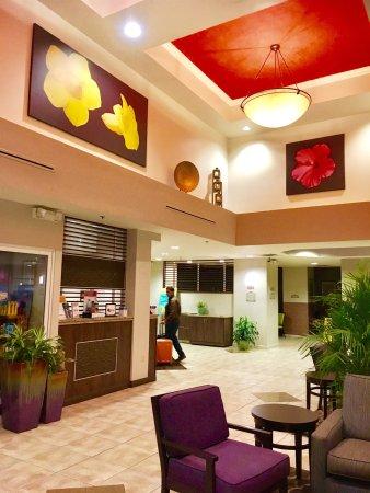 Comfort Suites Maingate East: Comfort Suites at Old Town