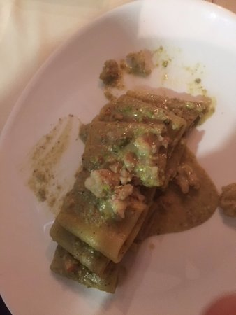 Paccheri Di Gragnano Pesto Di Pistacchi E Gamberi Picture Of
