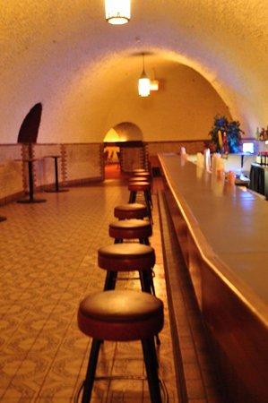 Wabasha Street Caves: The Speakeasy Bar