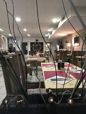 Nouvelle décoration pour notre restaurant - Picture of La Table de ...
