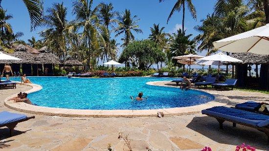 Breezes Beach Club Spa Zanzibar 20171109 112314 Large Jpg