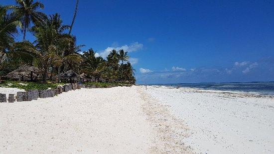 Breezes Beach Club Spa Zanzibar 20171109 112330 Large Jpg