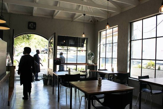 The Landing: Cool coffee shop