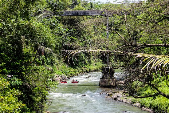 Magelang, Indonesia: Rafting on Elo River