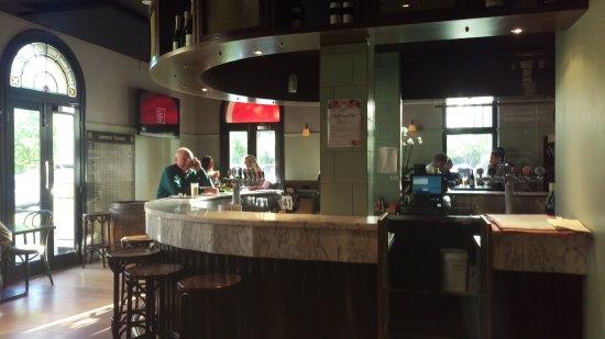 Lamaro's Hotel: Bar