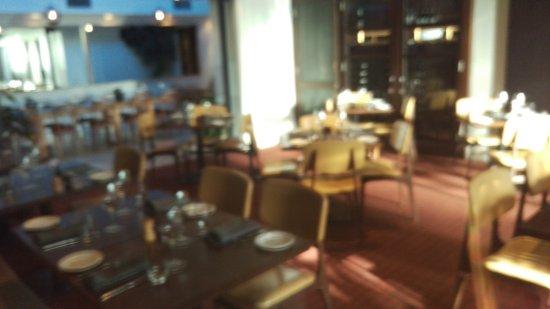 Lamaro's Hotel: Dining