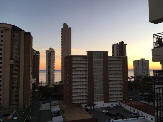 Hotel Ambassador Playa I & II: View from balcony at dusk