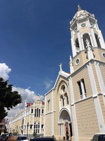 Casco Viejo: Igreja.