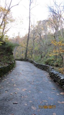 The Natural Bridge of Virginia: Beautiful path