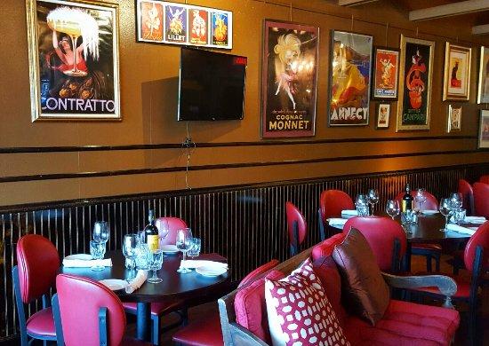 Le Val De Loire Restaurant Dining Room