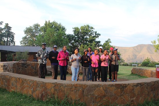 Malealea Lodge: Evening choir