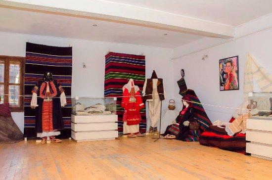 Exhibits of Razlog