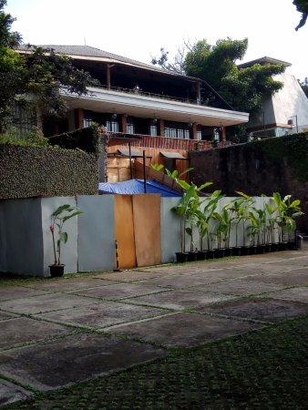 View Depan Maja House Picture Of Maja House Bandung Tripadvisor