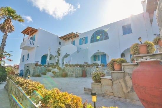 Pounta, Griekenland: Exterior view, porches, verandahs