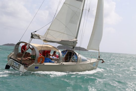 Le Robert, Martinique: Navigation à la voile sur Dénébola ilets du Robert Martinique