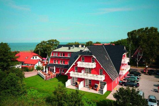 Graal-Müritz, Deutschland: Unser Hotel mit Blick auf die Ostsee