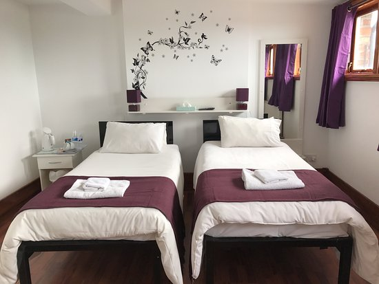 Bootle, UK: Twin room (rm5)