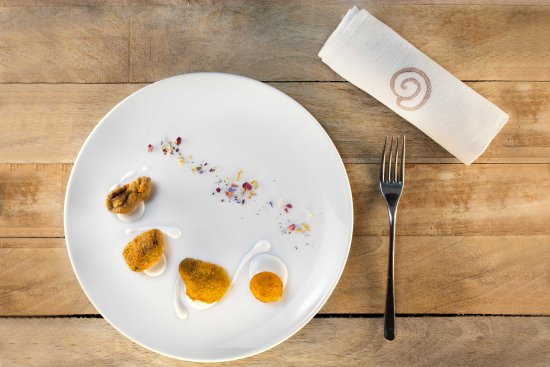 Giro Di Vite: Fritto Quarto* con Crocchè di Patate e Majo (senza uova) alla Menta