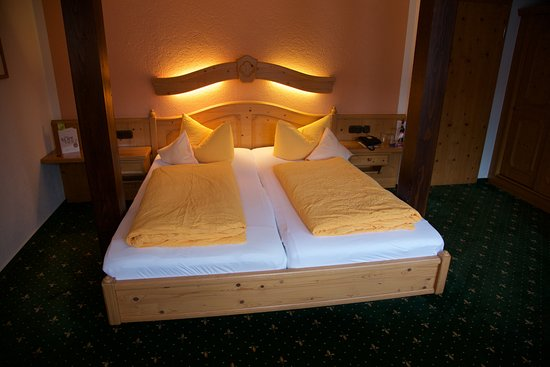 Uhlstadt - Kirchhasel, Германия: Doppelzimmer mit Doppelbett